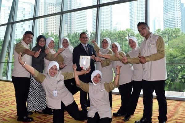 Malaysia's Best Housekeeper!