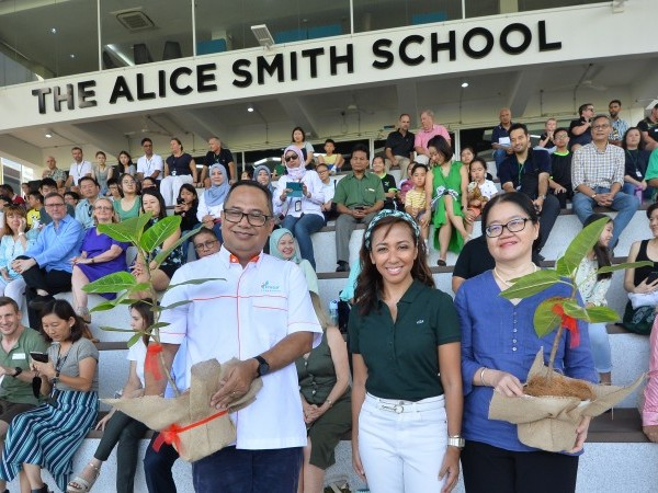 Alice Smith School Community Making An Impact For a Better Tomorrow